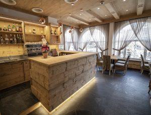 Bar_hotel_Regina_Cortina